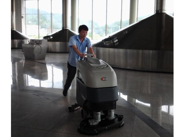 啤酒厂使用洗地机是企业发展所需