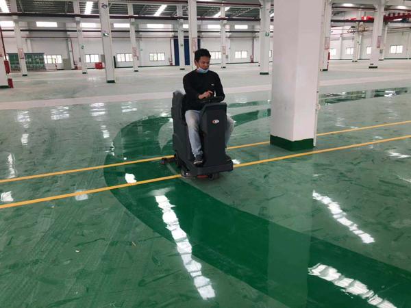 地板清洗不干净主要是不会使用全自动洗地机造成的