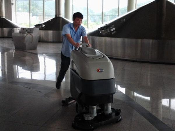雪花啤酒公司:全自动洗地机只选择美高清洁设备的